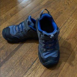 Keen Kids waterproof hiking shoes 🥾